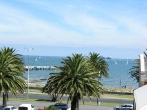 Cafes Along The Beach Melbourne